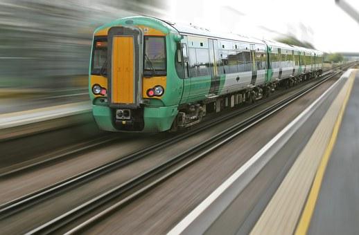 железопътен транспорт
